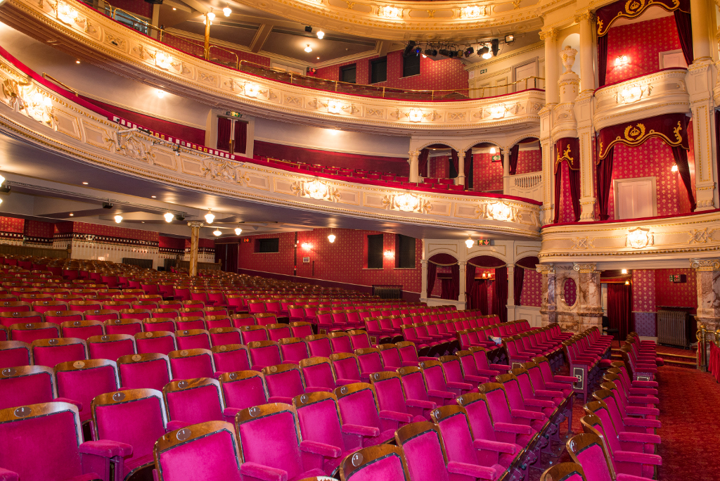 Lawrence-Milne-Projects-Commercial-Majesty-Theatre-12