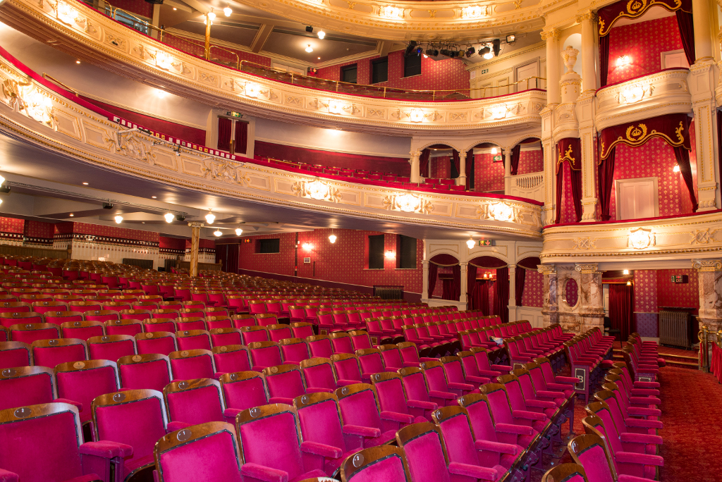 Lawrence-Milne-Projects-Commercial-Majesty-Theatre-13