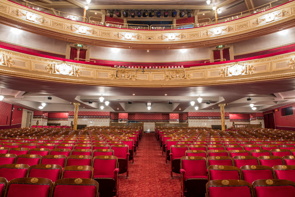 Lawrence-Milne-Projects-Commercial-Majesty-Theatre-16