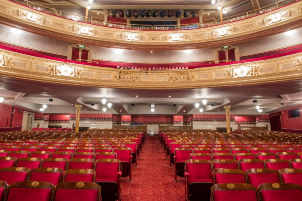 Lawrence-Milne-Projects-Commercial-Majesty-Theatre-17