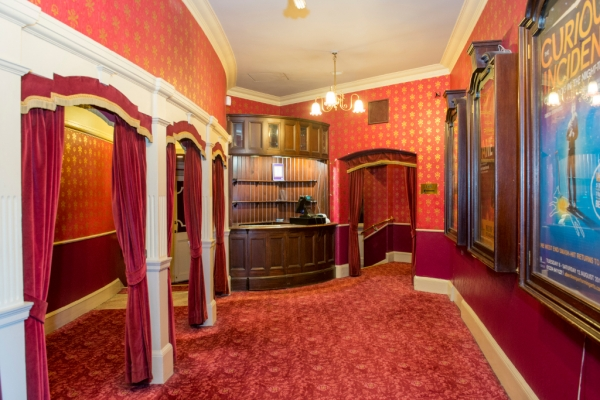 Lawrence-Milne-Projects-Commercial-Majesty-Theatre-50
