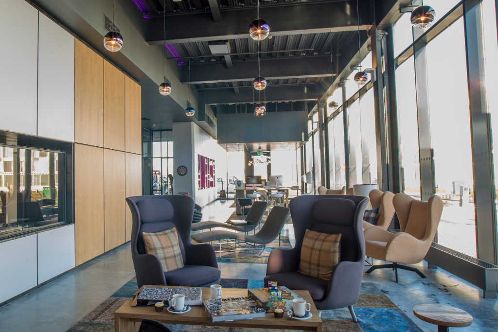 Lawrence-Milne-Projects-Commercial-Moxy-Hotel-03